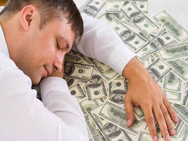 Giải mã giấc mơ thấy tiền đánh con gì?